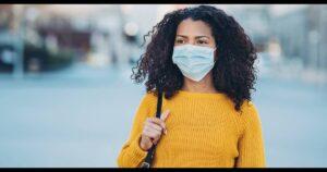 Cómo evitar el acné por usar mascarilla