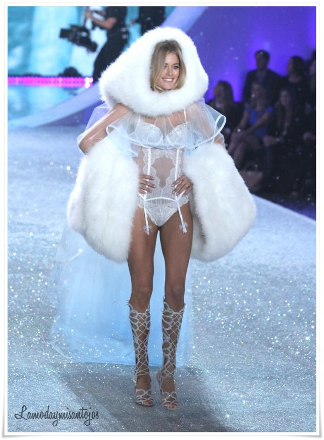 victorias-secret-fashion-show-2013-25