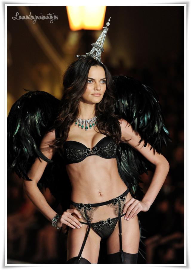 victorias-secret-fashion-show-2013-3